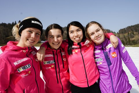 FIRKLØVER: Maren Lundby (fra venstre), Silje Opseth, Thea Minyan Bjørseth og Anne Odine Strøm på en pressekonferanse under VM på ski i Oberstdorf.