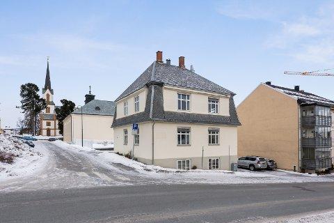 SELGES: Sykepleierforbundet har eid Bjørnsonsgate 5 siden 1993. Nå er den lagt ut for salg.