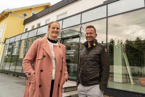 BYGGER OM: Hans Christian Gjestvang og Helene Solvang Trogstad i Gjestvang Eiendom AS har store planer etter å ha kjøpt selskapet som eier Kvartalet 10 i Gjøvik.