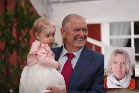 I BRYLLUP: Morten Ruen med barnebarnet Tiril på armen under bryllupet til sønnen Jan Håvard i 2019.