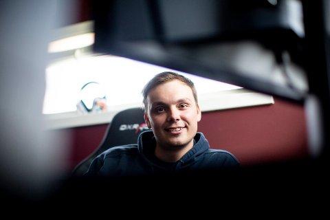 """Joachim """"Noobwork"""" fra Nittedal eier 20 prosent i Omaken Sports, som han selv har vært med å bygge opp."""