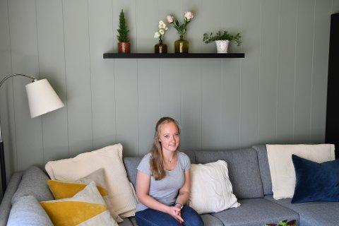 FØRSTEGANGSKJØPER: Trine Hoff (21) er en av de heldige som har kommet seg inn på boligmarkedet. Hun fikk hjelp av foreldrene til å kjøpe leilighet på Gjøvik.