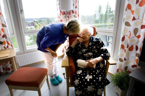 TØFT: Ida Høiby i Norsk sykepleierforbund i Innlandet sier det er krevende over tid å føle du ikke gjør jobben din bra og du ikke blir hørt når du melder fra om  avvik.