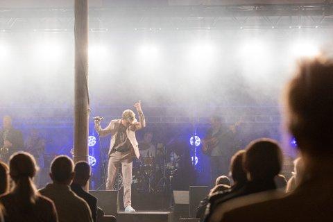 FØRST: Nykommer i gjengen, Mads Gjetmundsen, fikk æren av å starte showet.