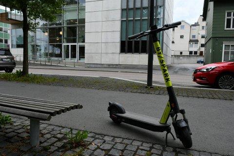 ELSPARKESYKKEL: Byspark etablerte seg i Gjøvik i mars, og har nå 50 elsparkesykler i byen.
