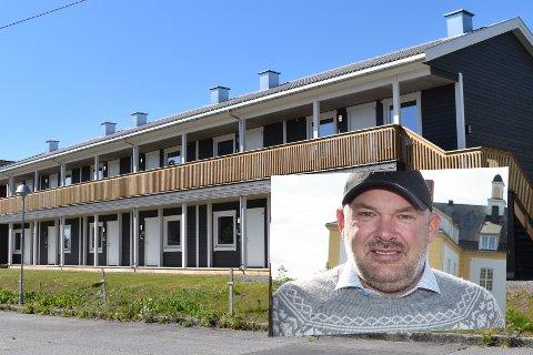 """SKOLESTIEN: De 12 leilighetene i Skolestien på Lena ble satt opp for kommunale behov som ikke lenger er der. Boligutvikler Arnfinn Stråmyr er kritisk til at de nå tilbys for leie før eie til en pris han mener er «altfor høy""""."""