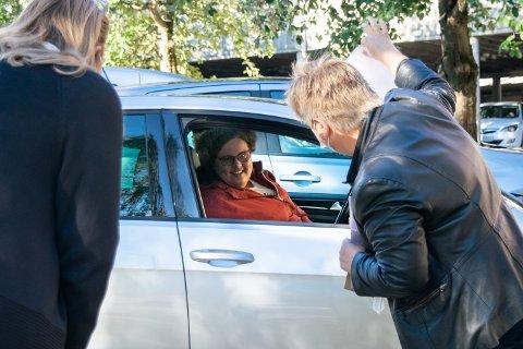 VALG: Mari Håkenstad ble den femte personen i Gjøvik kommune som stemte fra enten karantene eller isolasjon under Stortingsvalget 13. september 2021.