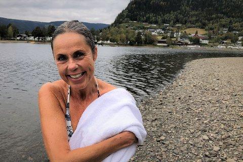 VARME OG KULDE: Å bade 100 dager i strekk i Valdres betyr at du skal ha med deg tre årstider.