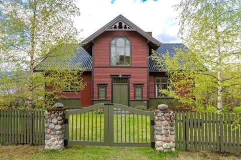 En særpreget villa fra 1904 har vært til salgs i Lillehammer.