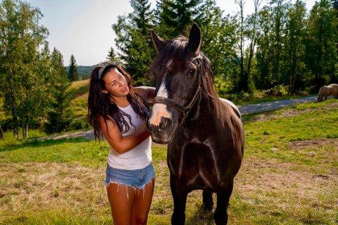 UT AV FARMEN: Tina Teien fikk nok av Farmen etter en drøy uke.
