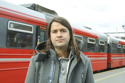 RYSTET: Anders Eidsvaag Graven fra Skotbu mener det er håpløst at pendlerne skal betale for skatteletten. FOTO: KARIN HANSTENSEN