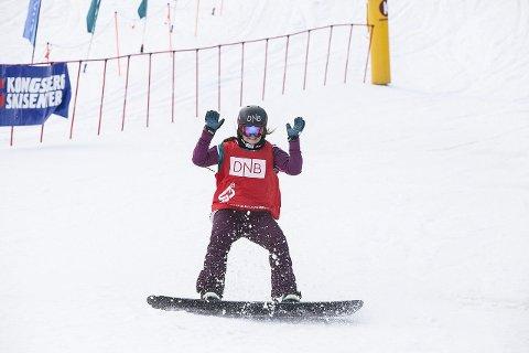 FOR TIDLIG: X Games kommer for tidlig for Helene Olafsen. Her jubler hun for NM-gulll i fjorårssesongen. foto: snowboardforbundet