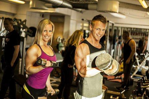 Camilla og kjæresten Henrik Flo Larsen deler interessen for bodyfitness og trener gjerne sammen. Foto: Jørgen Orlin