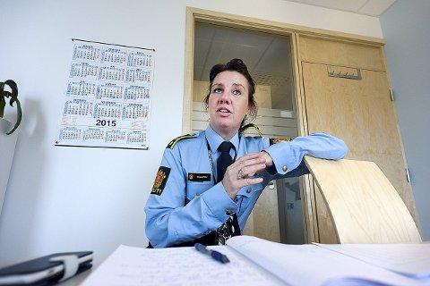 Pass på: Seksjonsleder Rikke Hallgren ved Follo politidistrikt oppfordrer alle jenter og gutter om å passe bedre på hverandre, spesielt i russetiden som er like rundt hjørnet.foto:ole kr trana