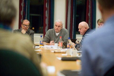 Skuffet: Helge Bunæs (i midten) mener Arbeiderpartiet har tatt en helomvending i planene for Ski Øst. Arkivfoto