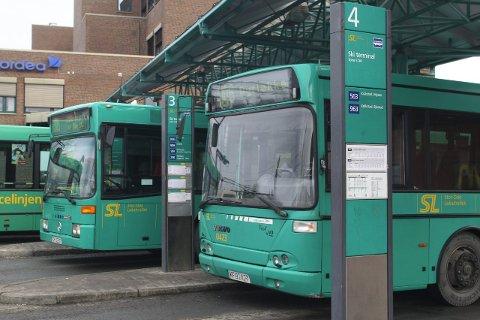 Skolebuss: Follo-elever som blir berørt av streiken får nå skolebuss på mandag.