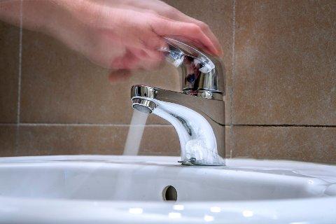 Vann - Spring - Vask - lekarse - rør