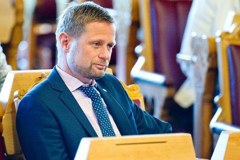 Oslo  20150603. Helse- og omsorgsminister Bent Høie under muntlig spørretime i Stortinget onsdag formiddag. Foto: Jon Olav Nesvold / NTB scanpix
