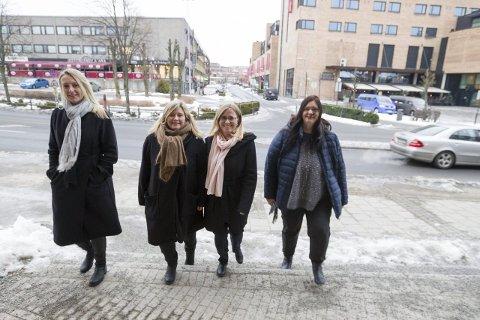 Sammen: Siv Kaspersen (Oppegård), Tonje A. Olsen (Enebakk), Anne Kristin Linnestad (Ski) og Hilde Kristin Marås (Ås), er alle enige om at en kommunesammenslåing må til for å matche nabokommunene rundt. FOTO: Bjørn V. Sandness