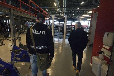 Razzia: Her er politiet i gang med doprazziaen på Sparta treningssenter. Funnene var oppsiktsvekkende.foto:ole Kr. Trana