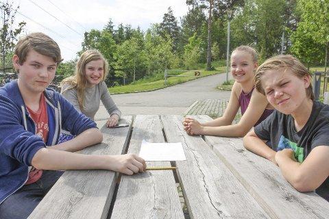 AVVEKSLING: Morten, Hannah, Linn og John Christopher har regning i norsk, naturfag, gym og mat og helse denne dagen.