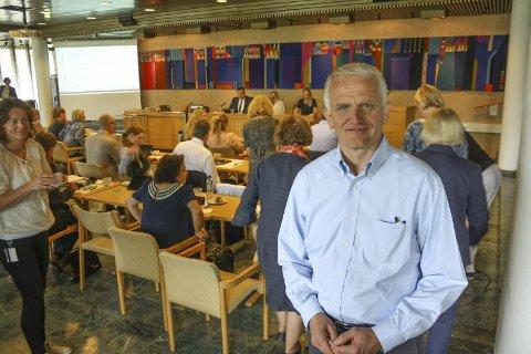 KJEMPELØFT: Styreleder i Kolbotn IL, Jon Erik Ofstad fulgte debatten om Sofiemyr crossover i kommunestyret mandag. FOTO: VIVI RIAN