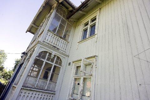 Sveitserstil: Bygget ble i utgangspunktet bygget i en tilnærmet Sveitserstil. I senere tid har dette blitt noe utvannet. I dag er dette utleieboliger.foto:ole kr. trana