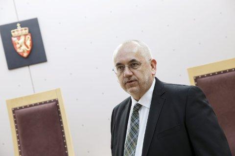 FORNØYD: Advokat Kjell Torbjørn Dahl forsvarte 18-åringen fra Ski. Han er godt fornøyd med at hans klient er frikjent for voldtekt.