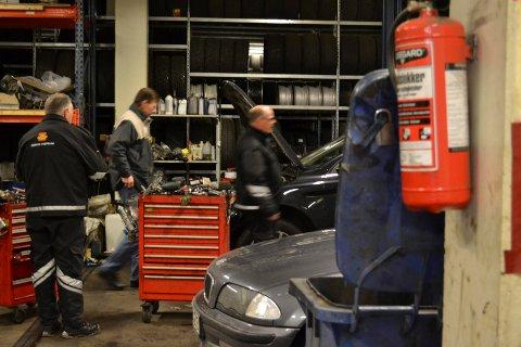 Razzia: Her er statens vegvesen på jobb for å avdekke mulige lovbrytere. Foto: Statens vegvesen.