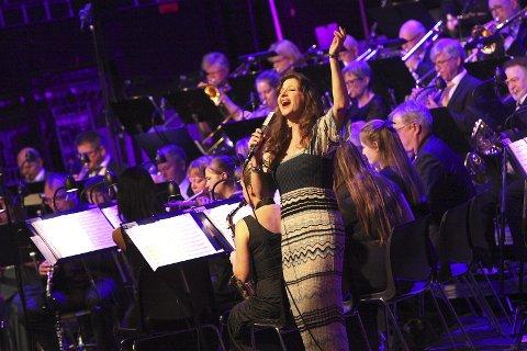 GOD SOLIST: Rita Eriksen sang Eriksen-, ABBA-, Prøysen- og Aretha Franklin-låter i Aud. Max lørdag.