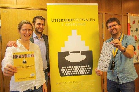 BREDT SPEKTER: Sigmund Løvåsen, Maria Alnæs og Hans Martin Enger presenterer et variert program for litteraturfestivalen på Oppegård bibliotek i Kolben.
