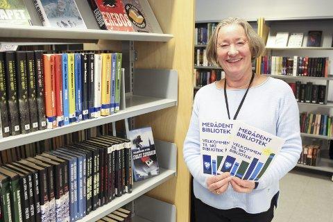 KVELDSÅPENT: Neste mandag åpner Ski bibliotek dørene frem til klokken 22. Biblioteksjef Kirsten Annaniassen Furulund er veldig fornøyd med å kunne tilby et slikt tilbud.