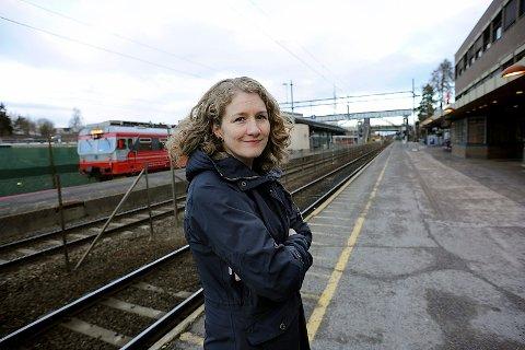 KRITISK: Tidligere ordfører i Ski, Tuva Moflag, er kritisk til framdriften til nye Follobanen og skjebnen til Østre linje.
