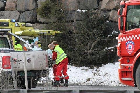 En person ble fraktet til sykehus etter en kollisjon på E6 der tre biler var involvert.