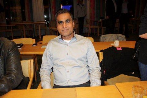 Azhar Ul-Hassan (Ap) mener kommunen som arbeidsgiver har et ekstra ansvar for å bekjempe rasisme.