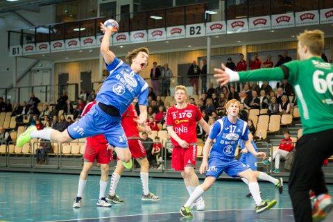 Bjørnar Pedersen scorer ett av sine to mål.