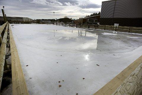 Issuppe: Etter 10 år med kamp mellom politikere og administrasjonen ble isflaten åpnet i november i fjor.