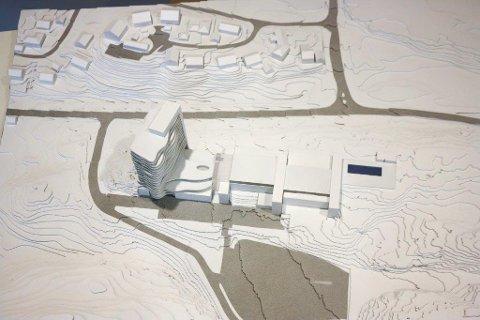 STOR TOMT: Planen har hele tiden vært å bygge mer på den 70 mål store tomten. Hotell ligger først i løypa.