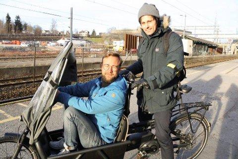 ELSYKKEL TIL ALLE: Vetle bo Saga (Ap) og Jon-Finngard Moe (MDG) er to av politikerne i Ski som stiller seg bak satsingen på elsykkel i Ski, både til ansatte og innbyggere.