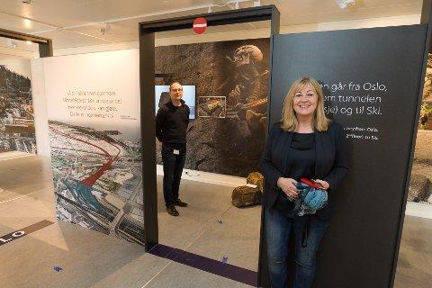 Fornøyd: Gunnar Børseth og Kathrine Kjelland gleder seg til å ta imot innbyggerne i det nye infosenteret.
