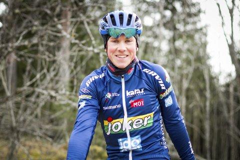 På hjemmebane: Carl Fredrik Hagen og resten av feltet i Tour of Norway passerer både Ås og Ski sentrum under søndagens femte og siste etappe av touren.foto: atle Larsson