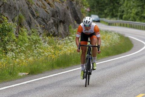 SOLO: Jonas Orset sa takk for følge til resten av feltet etter Gjøvik og syklet solo helt til mål. En makt-demonstrasjon av 26-åringen. Nå er han spent på hvordan rittet gjør utslag i NM. FOTO: Ola Morken