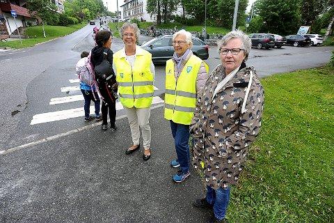 PASSER PÅ BARNA: Fra venstre, Kirksten Grøstad, Unni Hammer og Liv- Marit Bølset.
