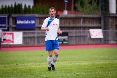 Stian Surèn satte inn kampens siste scoring fem minutter før hvilen. Rundt seg hadde KIL-veteranen mange unge lagkamerater.