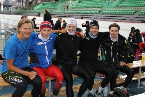 Samlingsbilde. Fra venstre Jonas Nordhøy Kristensen (Asker), Marius Bratli (ASK). Thomas Eriksen (ASK), Simen Kroken (ASK), Kyrre Linnestad (ASK). Sven Kramer & co kan skimtes i bakgrunnen.