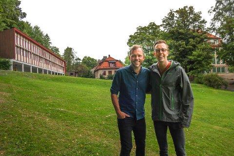 KRAV: Nicholas wilkinson viste Audun Lysbakken sin barndoms skole da de argumenterte for færre elever per lærer. Ett av fem krav SV stiller for å gå i regjering.