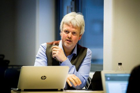 HOLDT ET ÅPENT SINN: Knut Tønnes Steenersen (Ski Frp) ber småpartiene holde et åpent sinn under regjeringsforhandlingene.