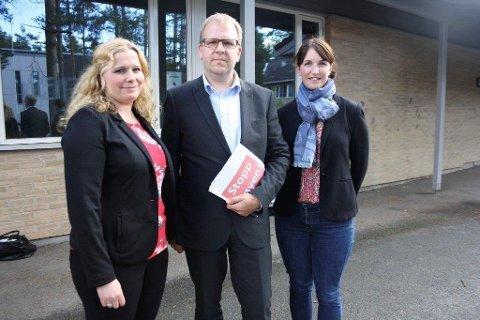 STOPP STØYEN: Engasjementet sprang ut fra FAU ved to skoler, her representert ved Caroline Monstad Høgsnes, Helge Marstrander og Johanne Ingierd. Nå er aksjonsgruppen nominert til Frivillighetsprisen.