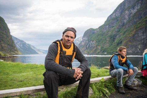 VED ÅRENE: Pappa Tore Lia er oppvokst ved Oslofjorden og godt vant med å ro.