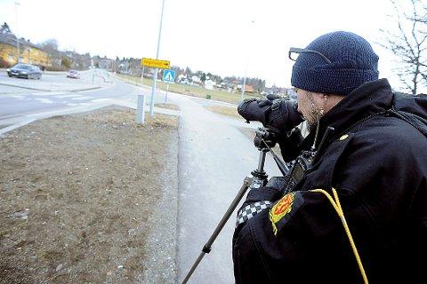 Utrykningspolitiet (UP) holder ofte kontroll på fylkesvei 152 gjennom Ås sentrum.